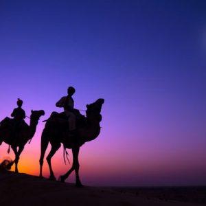 Beduiinit Aavikon Yössä 479 Canvas-taulu